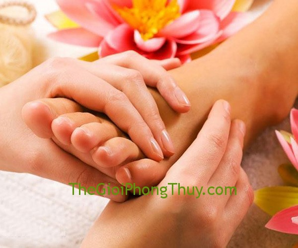 FOOT-MASSAGE-DA-NONG-SPA-THAO-NGUYE_201312181538832